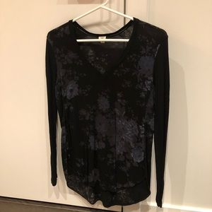 Wilfred Aritzia floral long sleeve top